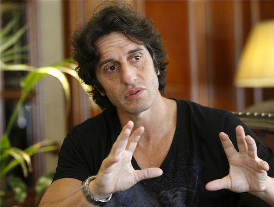 Contratar a Diego Peretti